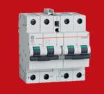 Wyłączniki zabezpieczania paneli fotowoltaicznych EP104UC