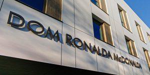 Technologie ABB pomagają zadbać o komfort w Domu Ronalda McDonalda